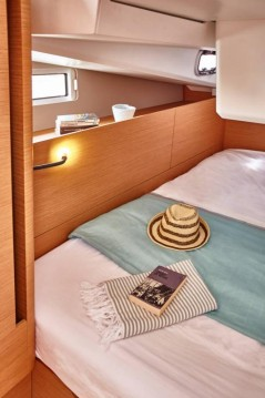 Boat rental Jeanneau Sun Odyssey 440 in Marina di Portisco on Samboat