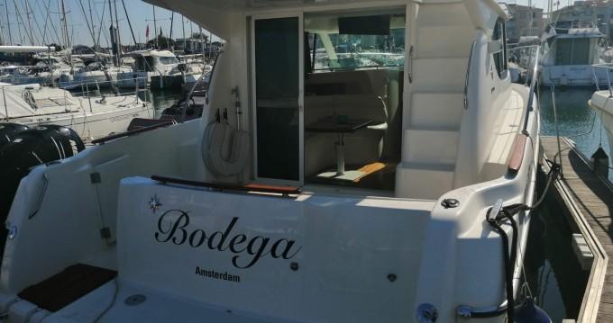 Boat rental Les Sables-d'Olonne cheap Prestige 32