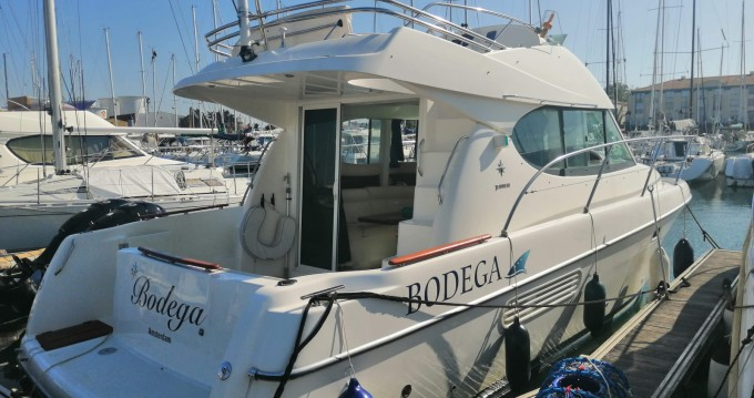 Hire Motorboat with or without skipper Jeanneau Les Sables-d'Olonne