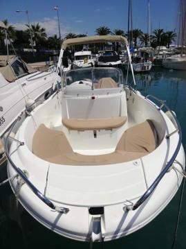 Rental yacht Saint-Laurent-du-Var - Jeanneau Cap Camarat 6.5 CC on SamBoat