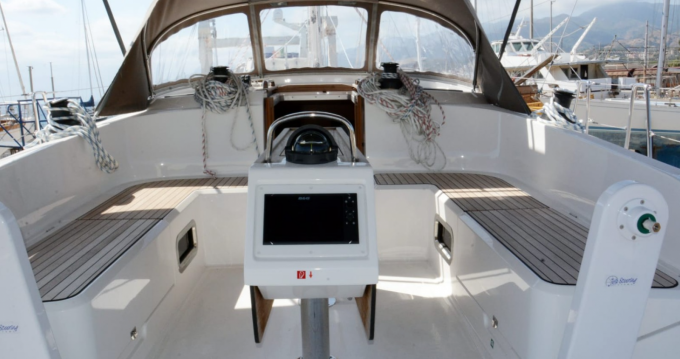 Hire Sailboat with or without skipper Bavaria Messina