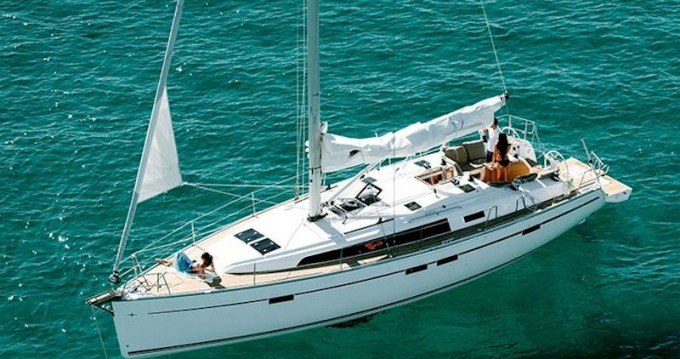Hire Sailboat with or without skipper Bavaria Volos