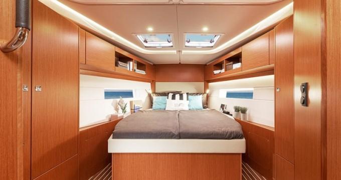 Boat rental Volos cheap Bavaria C45