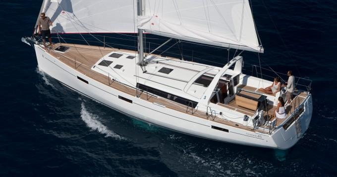 Bénéteau Oceanis 45 between personal and professional Marina di Portorosa