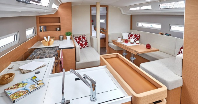 Rental yacht Marina di Portorosa - Jeanneau Sun Odyssey 410 on SamBoat