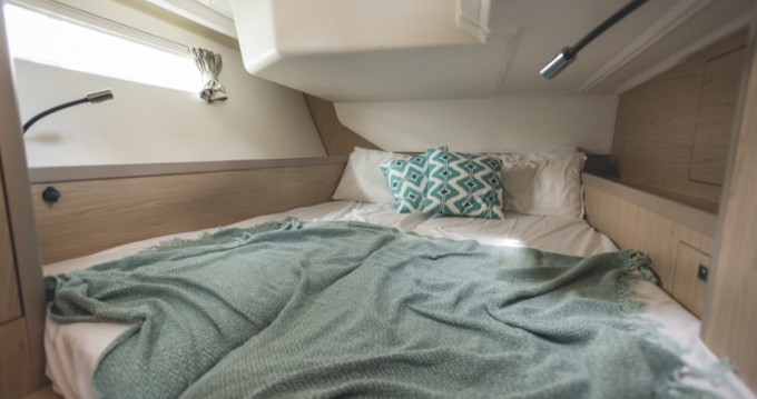 Rental yacht Marina di Portorosa - Bénéteau Oceanis 45 on SamBoat