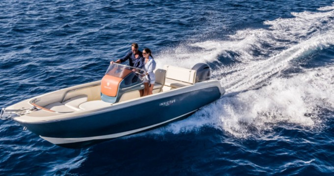 Rental yacht Cala d'Or - Invictus  Invictus 200 FX on SamBoat