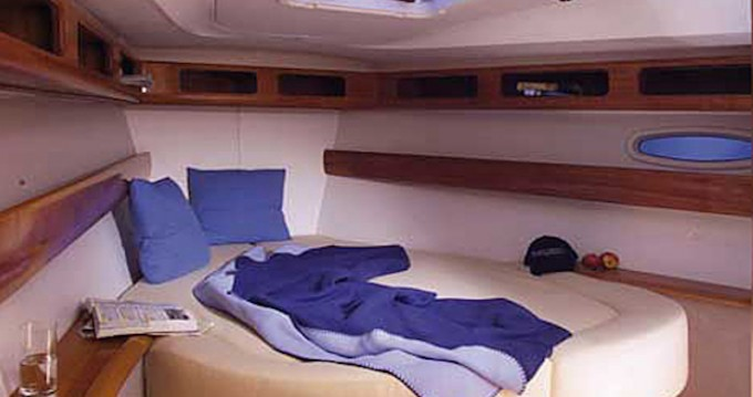 Boat rental Bavaria Bavaria 42 Cruiser in San Vincenzo on Samboat