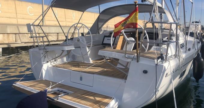 Rental yacht Valencia - Hanse Hanse 388 on SamBoat