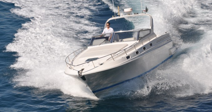 Motorboat for rent Minori at the best price