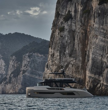 Yacht for rent Kaštela at the best price