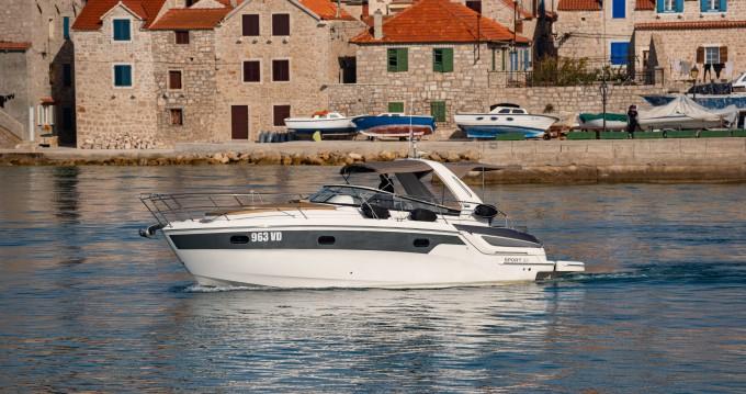 Boat rental Bavaria Bavaria 32 Sport in Tribunj on Samboat
