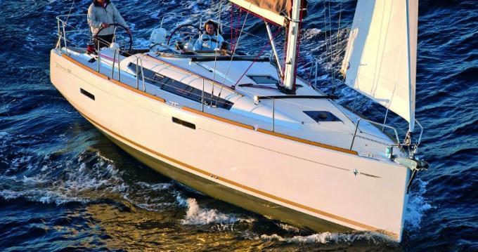 Boat rental Jeanneau Sun Odyssey 389 in Gouvia on Samboat