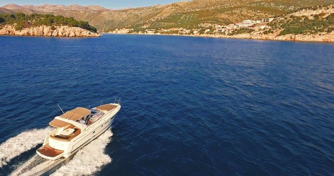 Rental yacht Dubrovnik - Jeanneau Leader 8 on SamBoat