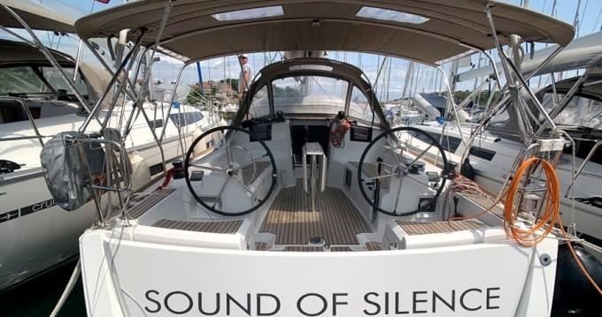 Boat rental Jeanneau Sun Odyssey 389 JP in Skradin on Samboat