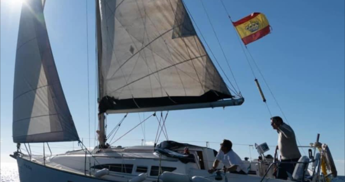 Hire Sailboat with or without skipper Jeanneau Altea