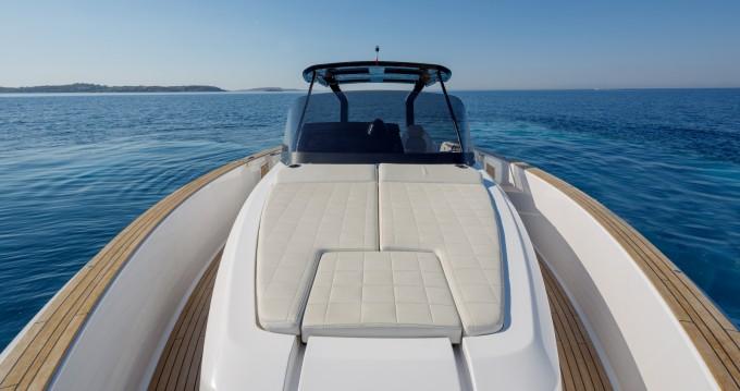 Rental yacht Lávrio - Pardo Yachts Pardo 38 on SamBoat