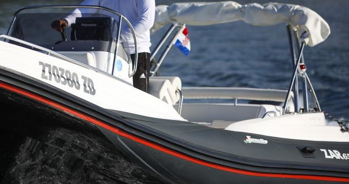 Rent a  Zar 65 Suite XL Luxury Sukošan