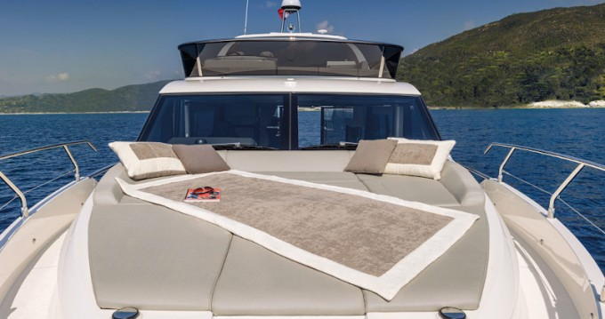 Rental Motorboat in Rogoznica - Absolute Absolute 47 Fly