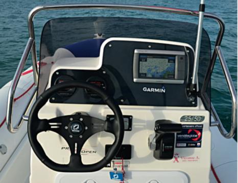 Boat rental Zodiac Pro Open 650 in La Trinité-sur-Mer on Samboat