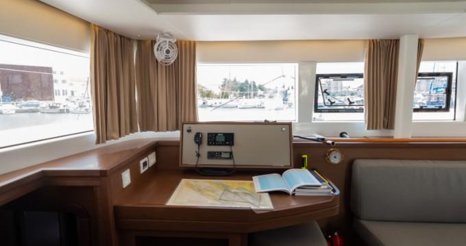 Boat rental Lagoon Lagoon 450 F in Biograd na Moru on Samboat