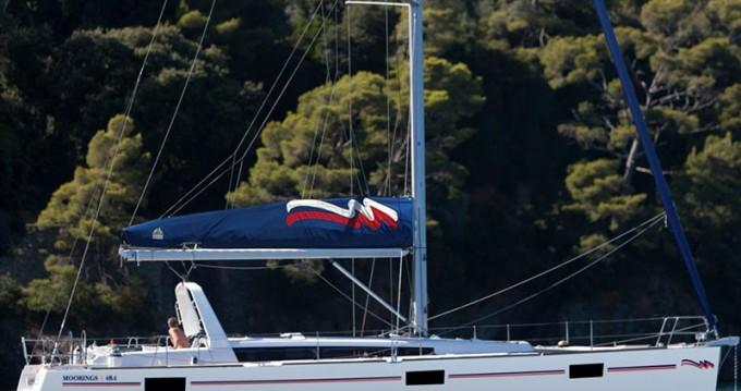 Boat rental Bénéteau Moorings 48.4 in Marina di Portorosa on Samboat