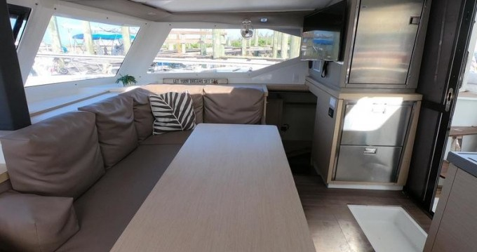 Catamaran for rent Fort Lauderdale at the best price