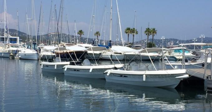 Boat rental Cavalaire-sur-Mer cheap V160