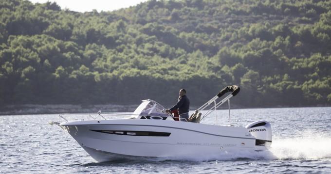 Rental Motorboat in Dubrovnik - Atlantic 690 sun cruiser