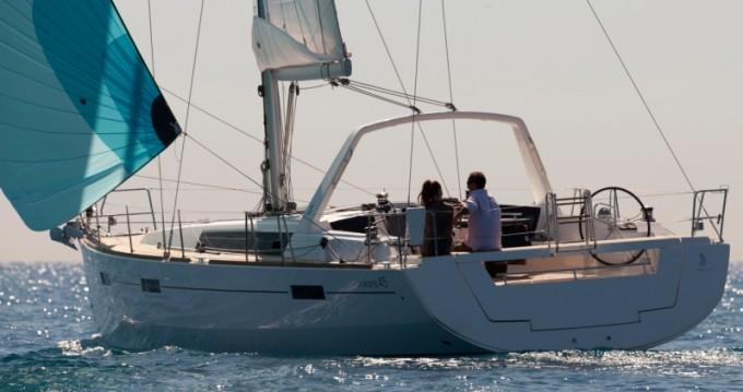Rental Sailboat in Furnari - Bénéteau Oceanis 45
