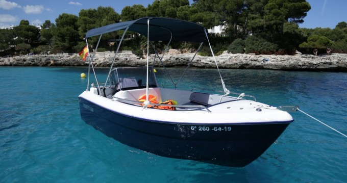 Rental Motorboat Pegazus with a permit