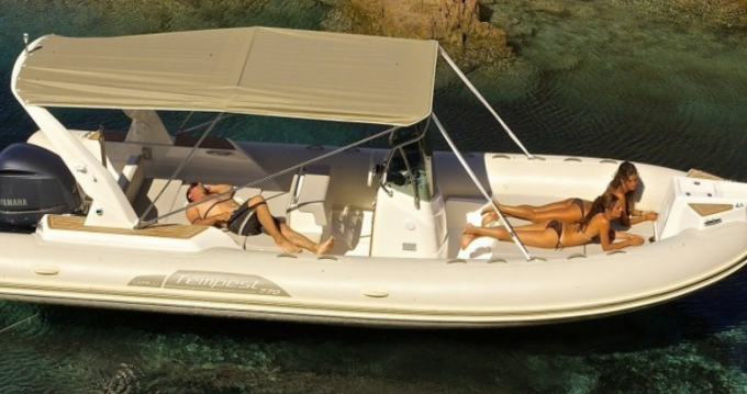 Boat rental Capelli Tempest 770 in Mahón on Samboat