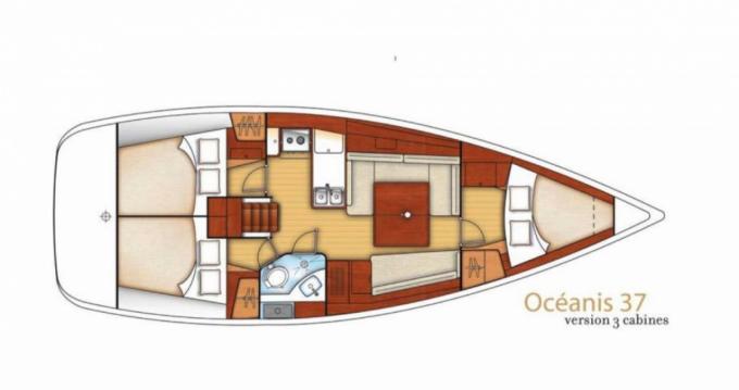 Bénéteau Oceanis 37 between personal and professional Bandol