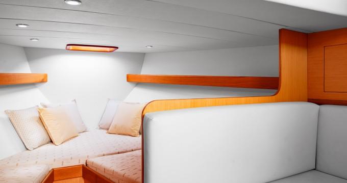 Rental Motorboat in Positano - Tecnonautica Jeranto 9