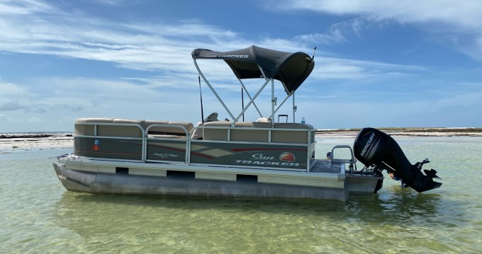 Rent a Suntracker Party barge DLX  Clearwater