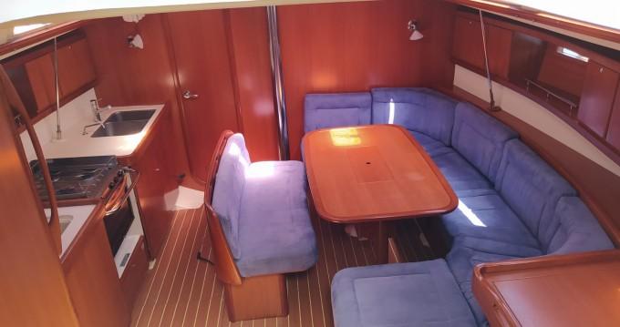 Boat rental Dufour Dufour 425 GL in Golfo Aranci on Samboat