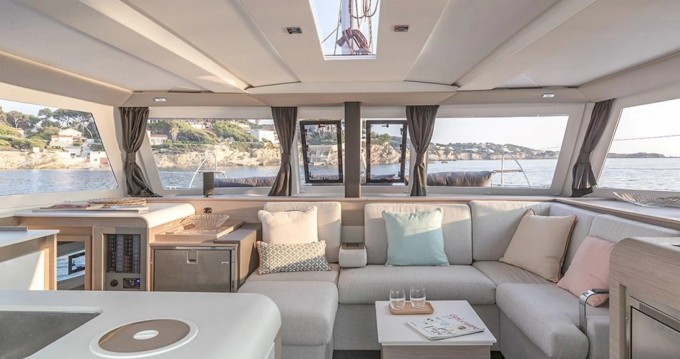 Fountaine Pajot Isla 40 between personal and professional Bandol