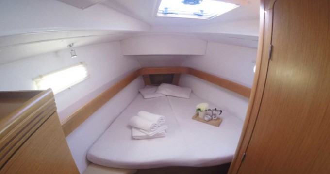 Rent a Jeanneau Sun Odyssey 42DS Lefkada (Island)