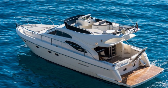 Rental Motorboat in Split - Ferretti Ferretti 430