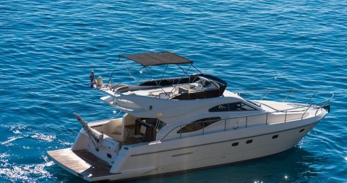 Rental Motorboat Ferretti with a permit