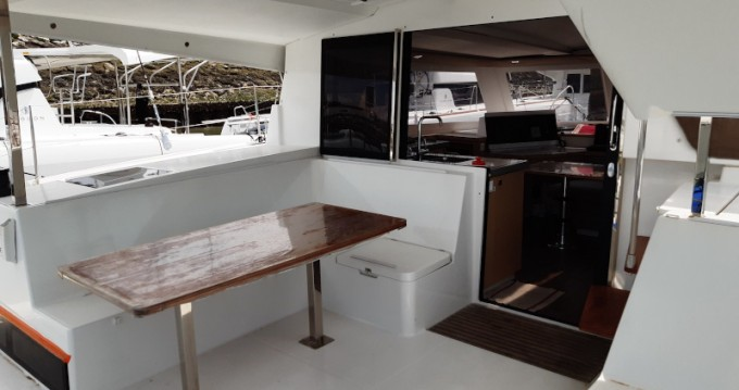 Fountaine Pajot Lucia 40 between personal and professional La Rochelle