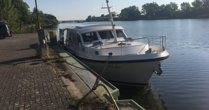 Boat rental Linssen Linssen Grand Sturdy 40.9 Sedan in Mildenberg on Samboat