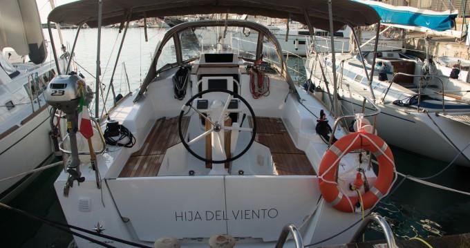 Rental Sailboat in Porto di Balestrate - Jeanneau Sun Odyssey 319