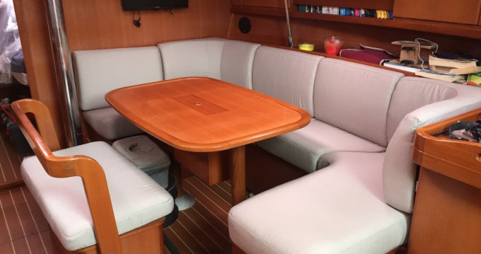 Dufour Dufour 385 Grand Large between personal and professional Carqueiranne