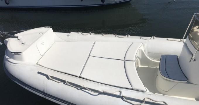 Rental yacht Hyères - Lomac Beluga 24 on SamBoat