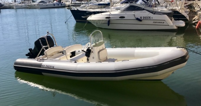 Hire RIB with or without skipper Bombard Hyères