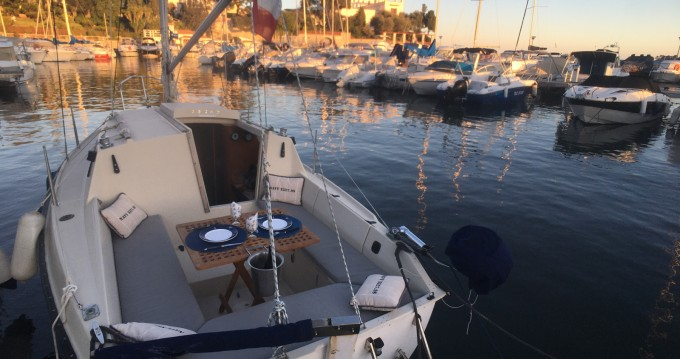 Sailboat for rent Beaulieu-sur-Mer at the best price