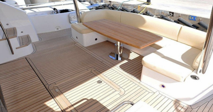 Sunseeker Yacht 75 between personal and professional Ajaccio