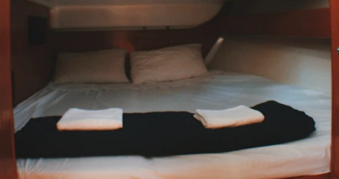 Rental yacht Kallithea - Bénéteau Cyclades 43.4 on SamBoat
