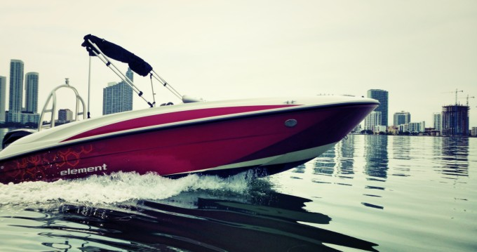 Rental Motorboat in Miami - Bayliner Element 160